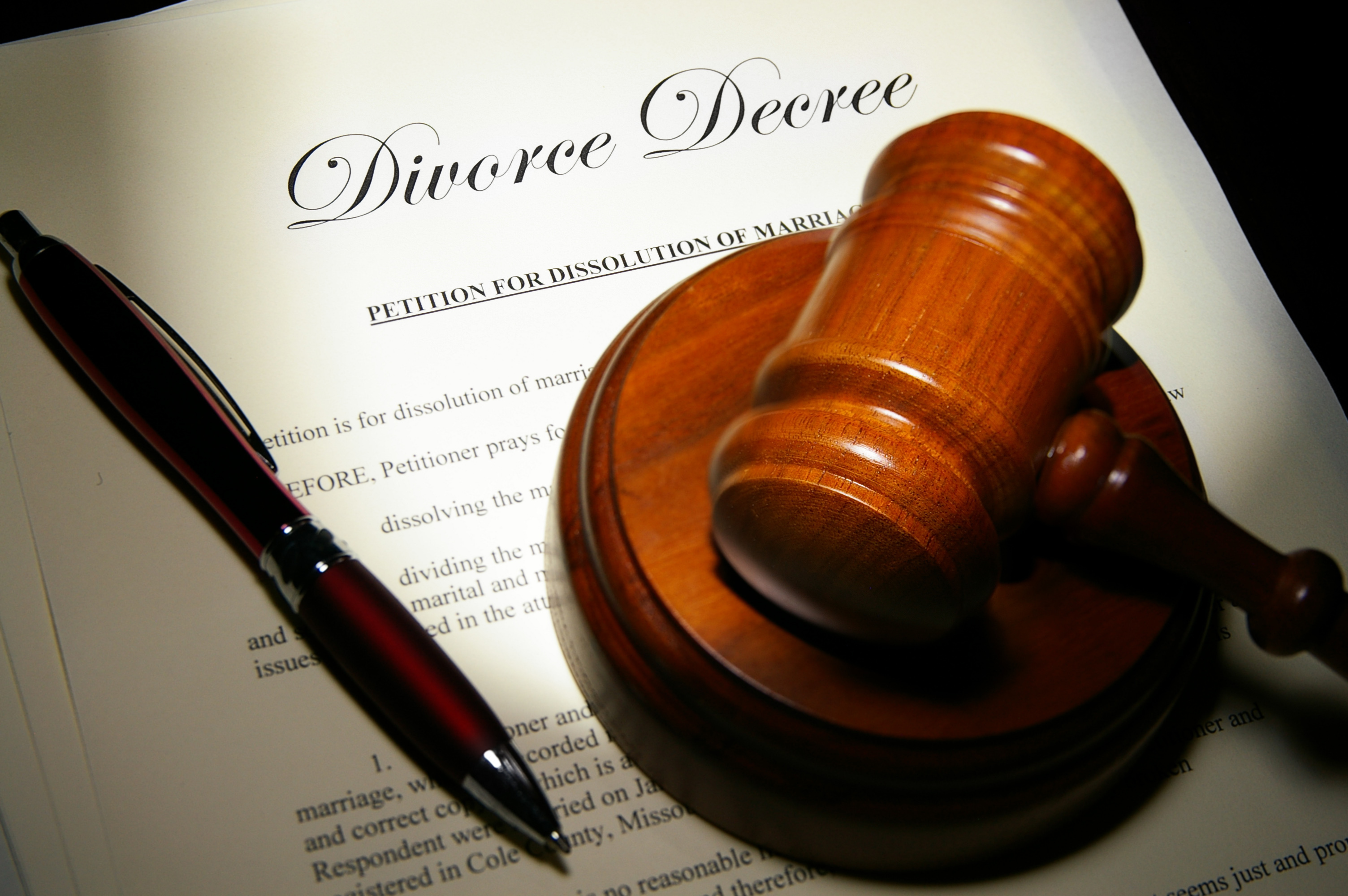 5 Things To Consider Before You Hire A Divorce Attorney